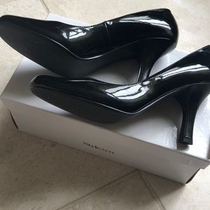 Style & Co Thora black patent pump